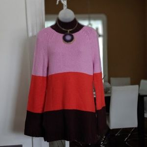Ann Taylor Sweaters - Ann Taylor Color Blocked Sweater